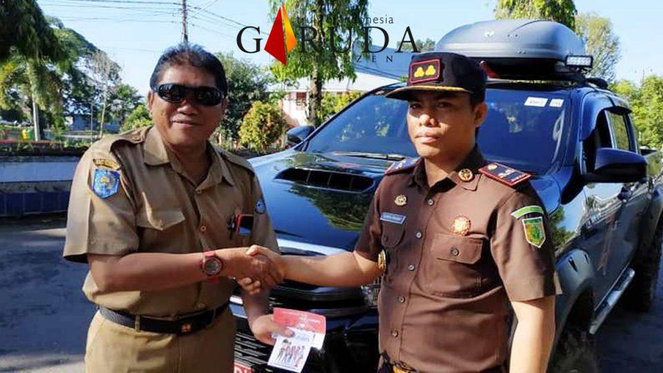 Kadis PUPR Dapat Stiker Anti Korupsi Dari Kajari Bengkulu Utara