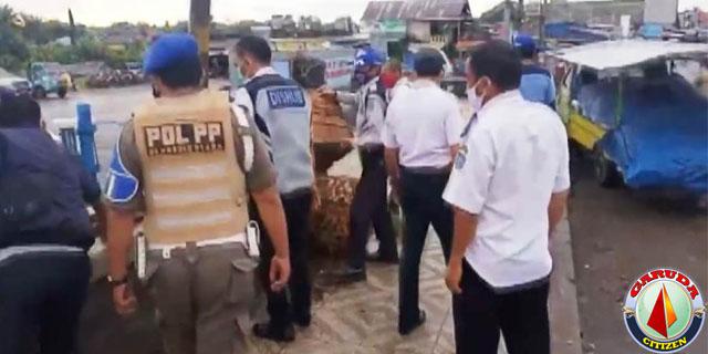 Kios Pedagang di Lokasi Terminal Ketahun Dibongkar